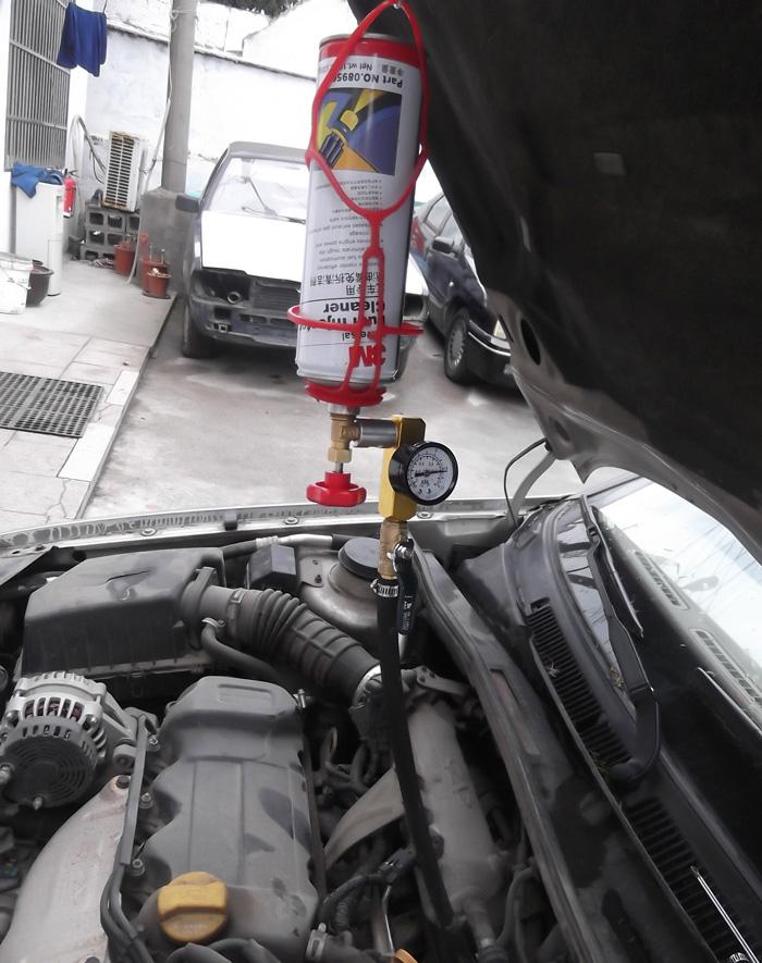 súc rửa vệ sinh hệ thống phun xăng trên xe